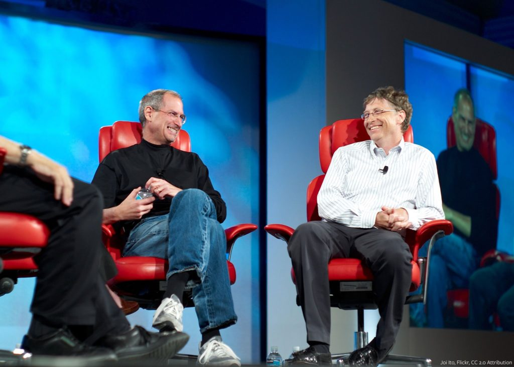 2048px-Steve_Jobs_and_Bill_Gates_(522695099)